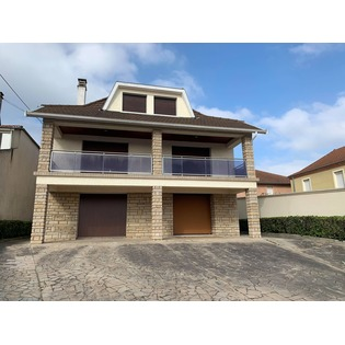 MAISON 6 PIECES 164 M2 ROANNE